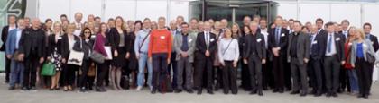 Gruppenbild der Teilnehmerinnen und Teilnehmer des Praxistags Wissensmanagement und Innovation 2015 in Berlin